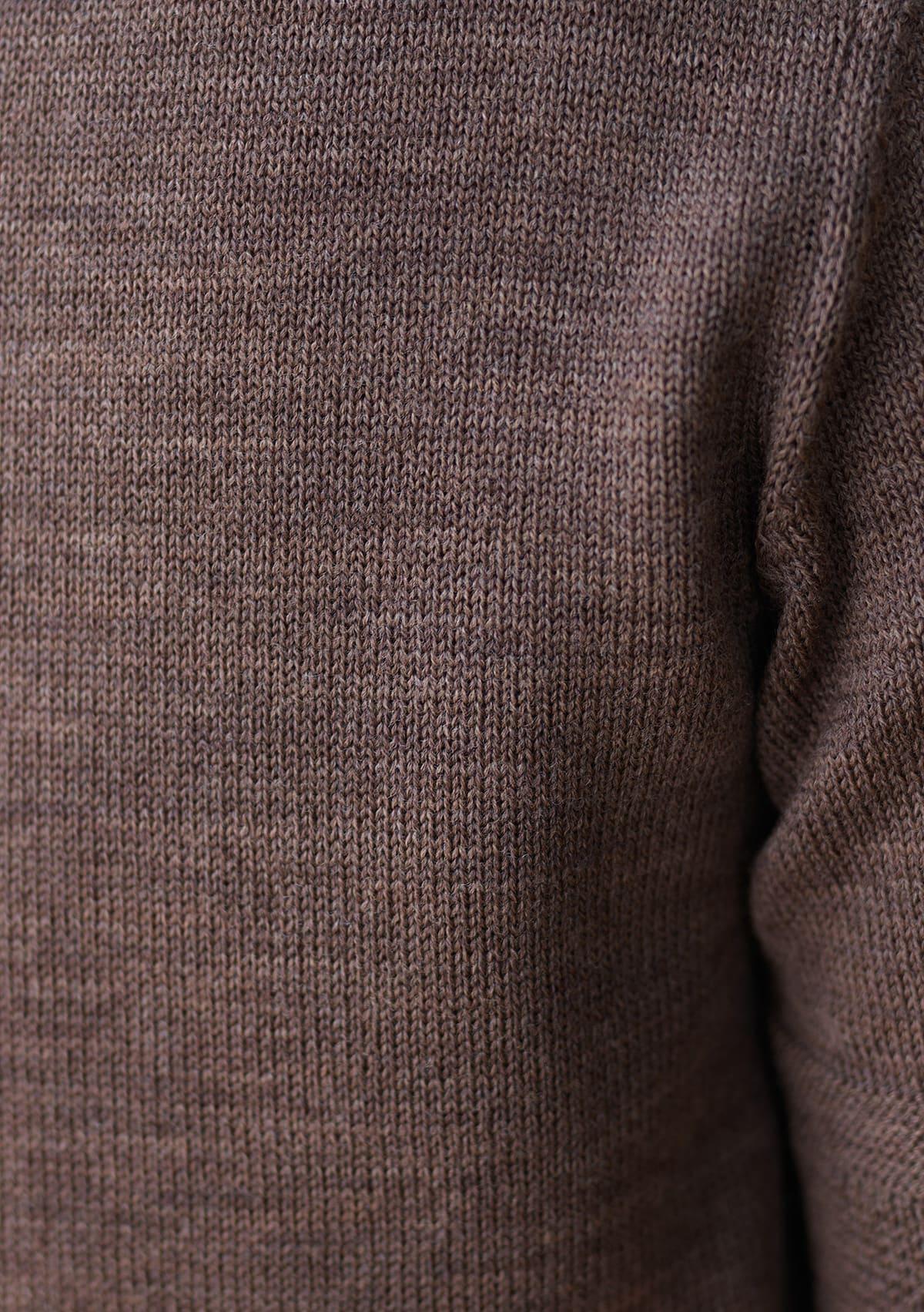 着心地が良く実用性を備えたウール素材ニットTシャツ