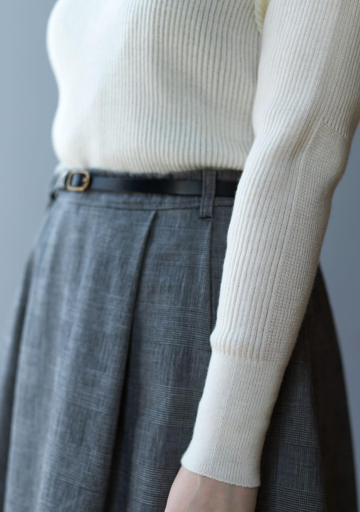ホールガーメント製法でフィット感よく、着心地も快適に