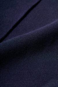通常のコットンより繊維質の長い希少繊維「超長綿」を16ゲージのミラノリブに編み立てました